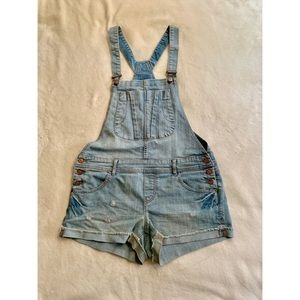 🦄American Rag overall size 7